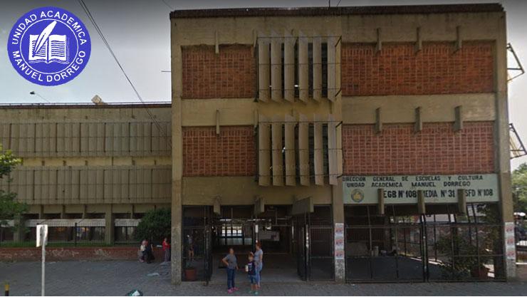En la imágen podemos ver la fachada del Instituto Superior de Formación Docente Nº108 «Manuel Dorrego»